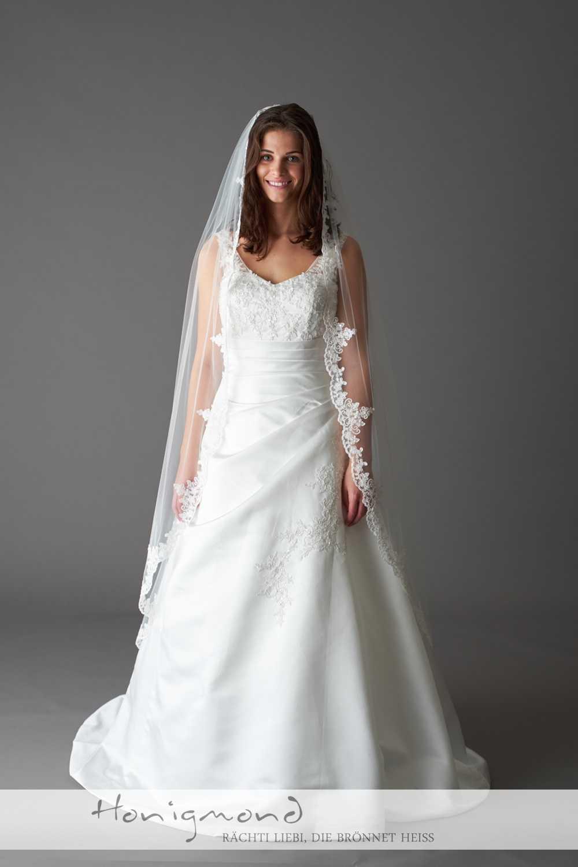 Günstige Brautmode