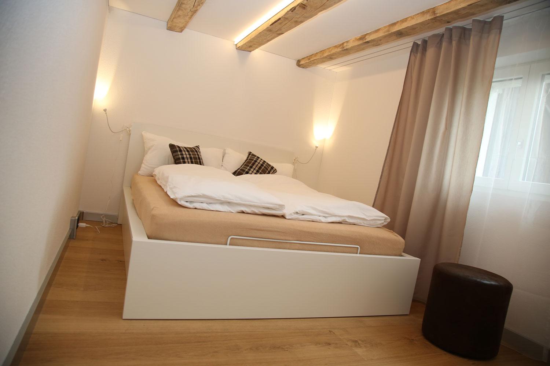 Faszinierend Betten Für Kleine Zimmer Ideen Von Cool Kleines Grosses Bett Cm Fr With