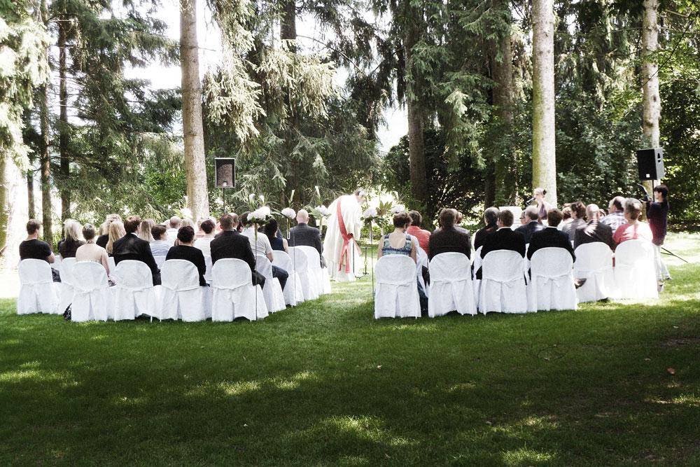 Gleichgeschlechtliche Hochzeiten im Ausland