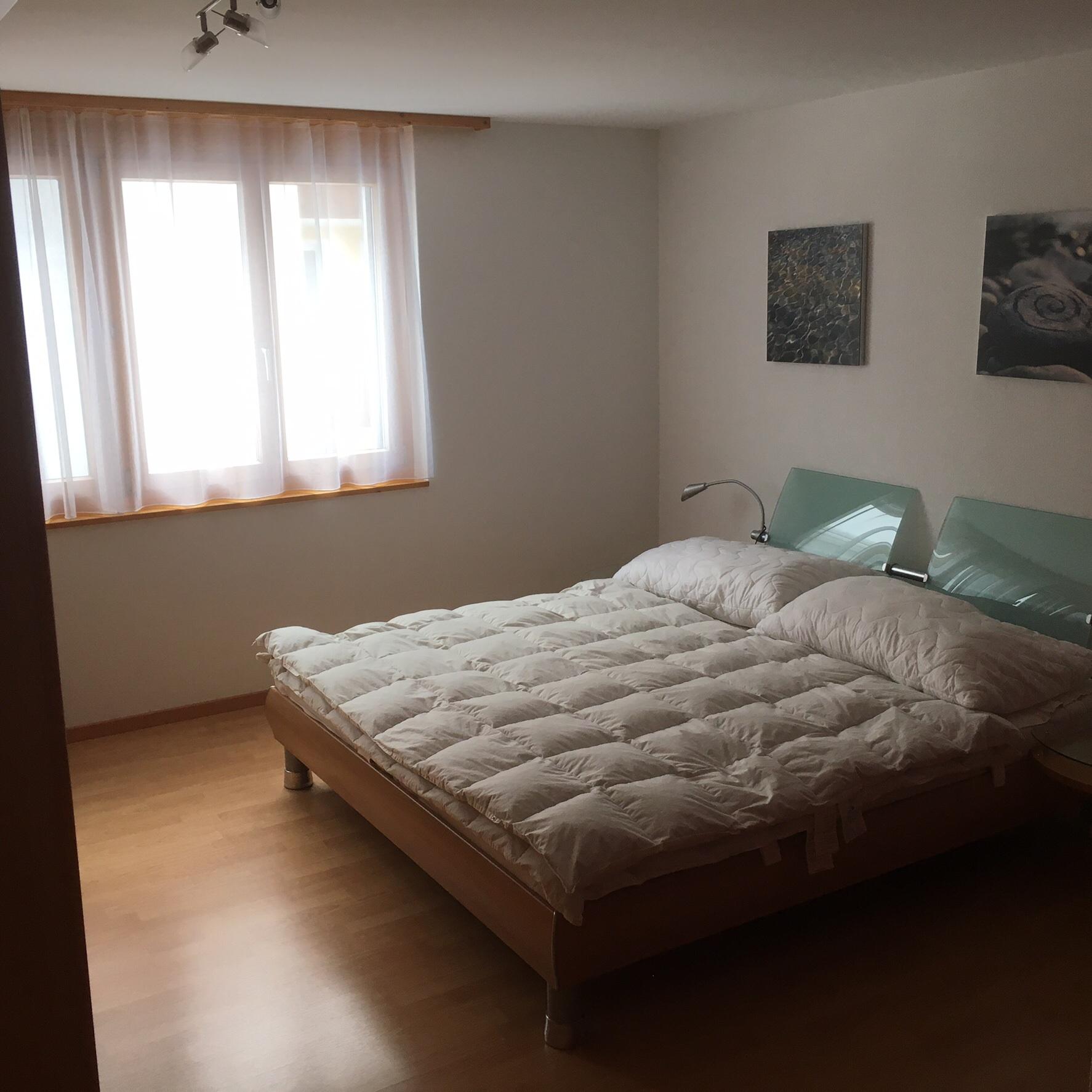 feng shui bett. Black Bedroom Furniture Sets. Home Design Ideas