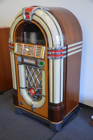 Jukebox Wurlitzer Model 1015, Baujahr 1946