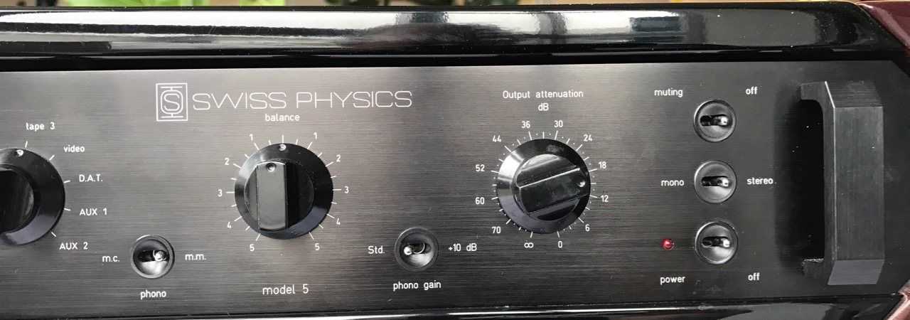 Rarität !!!  Pre Amplifier SWISS PHYSICS model 5  &  Amplifier SWISS PHYSICS model 6A