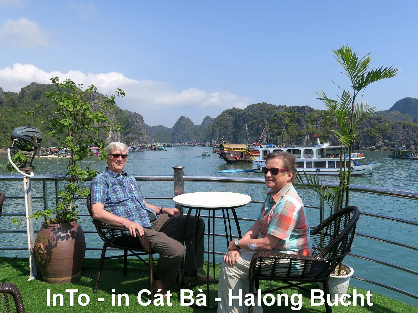 InTo in der Halong Bucht, Vietnam