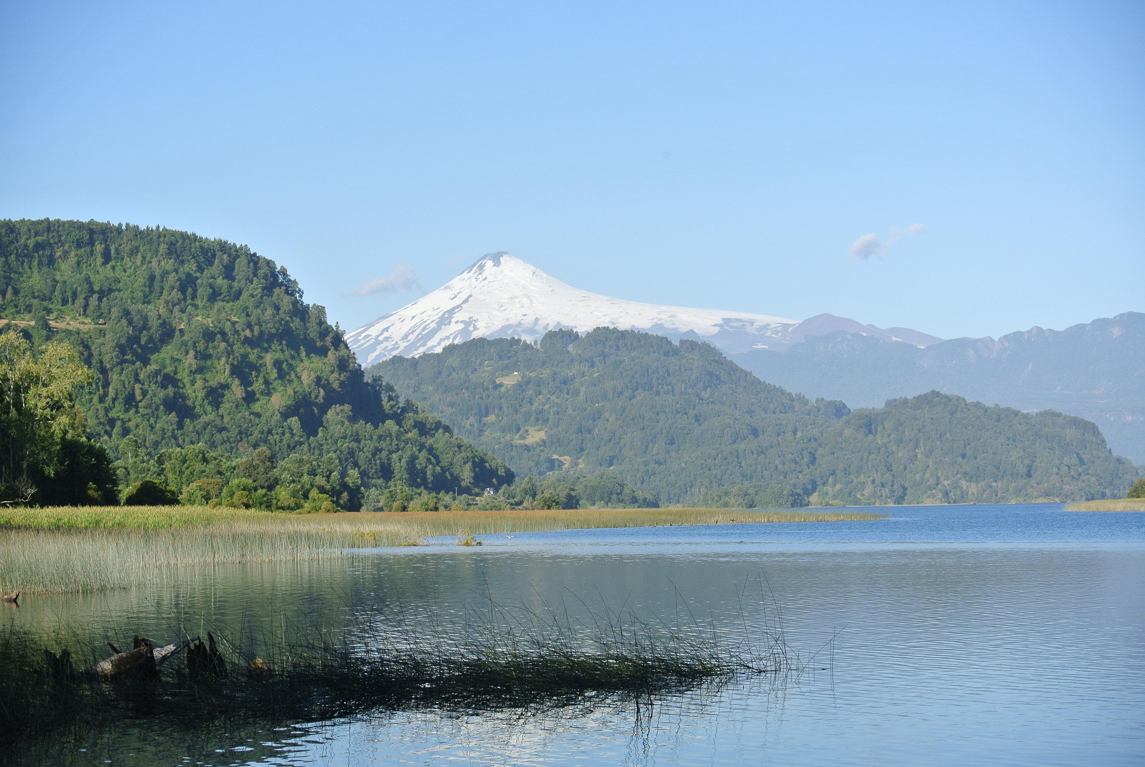 011 2401 Mirador Lago Calafquen - Lago Pullinque 24JPG