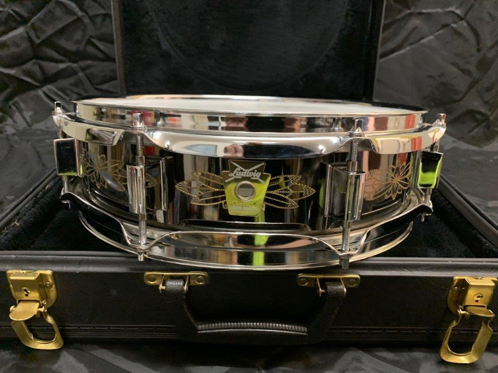 Foto-9-Ludwig-Snare-Black-Beauty-13x3-engraved-Supraphonic
