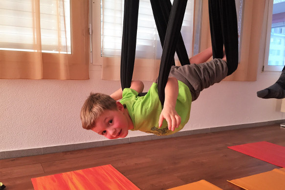 Flying Kids Yoga Luzern, Aerial Yoga für Kinder Luzern