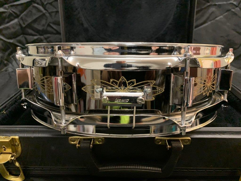 Foto-7-Ludwig-Snare-Black-Beauty-13x3-engraved-Supraphonic