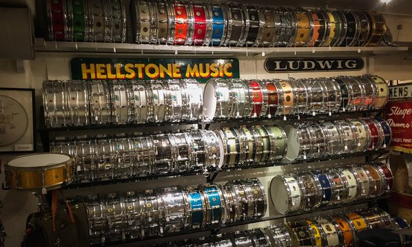 Foto-1-Snare-Wall-at-Hellstone-Music-Stockholm