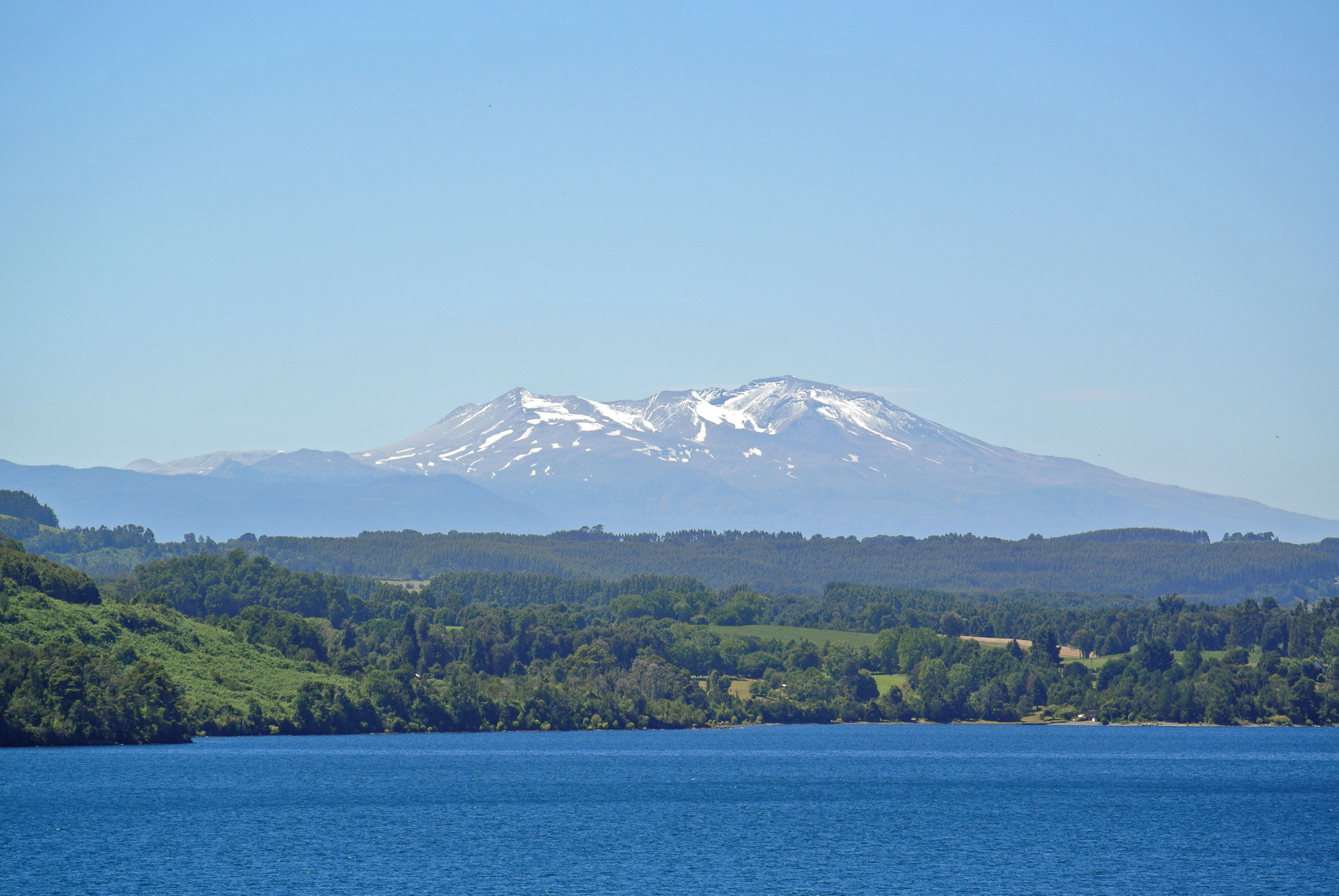 047 1202 Lago Rupanco Overview - NP Puyehue 7JPG