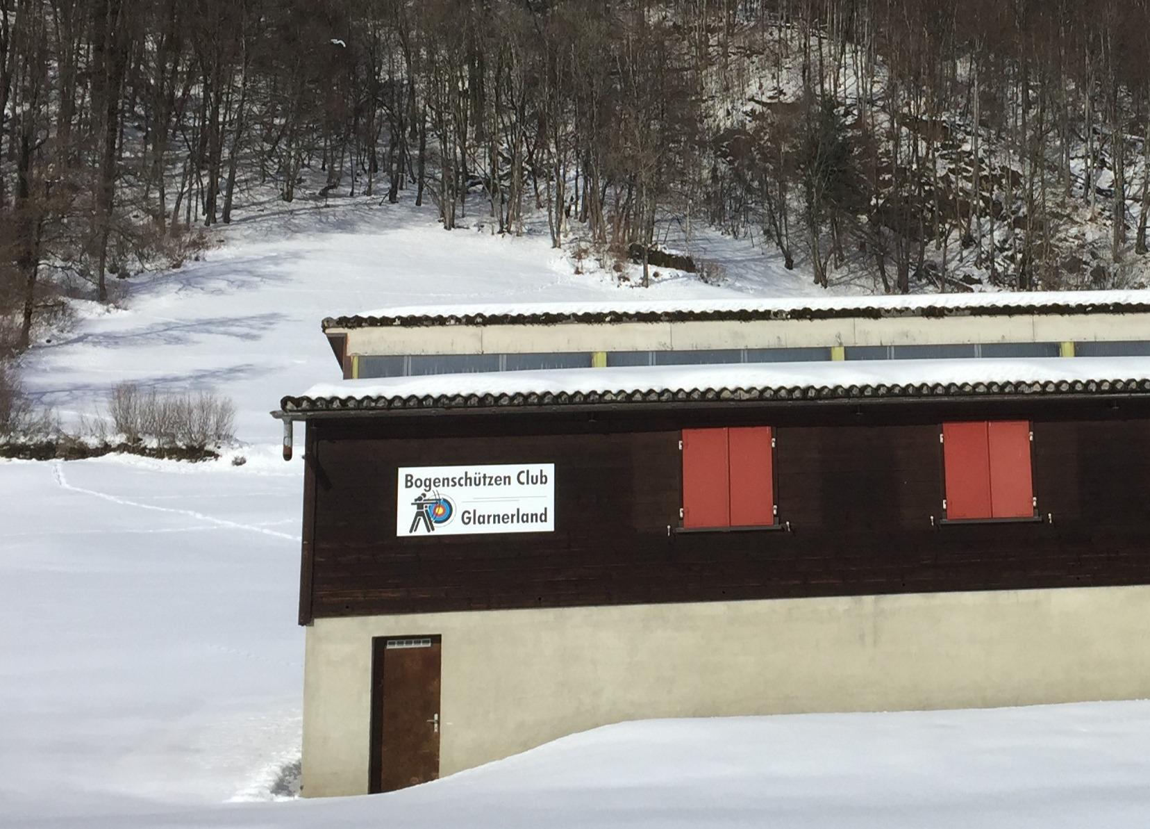Bild Front Clubhaus Winter Mattjpg