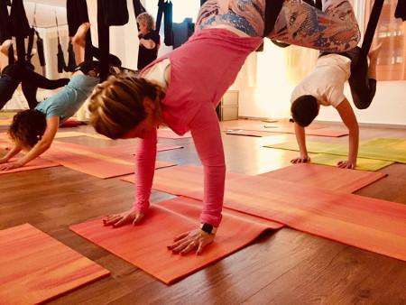 AerialYogaPlay-MiiRuum-Luzern-Yoga-Pilates-WEB12jpg