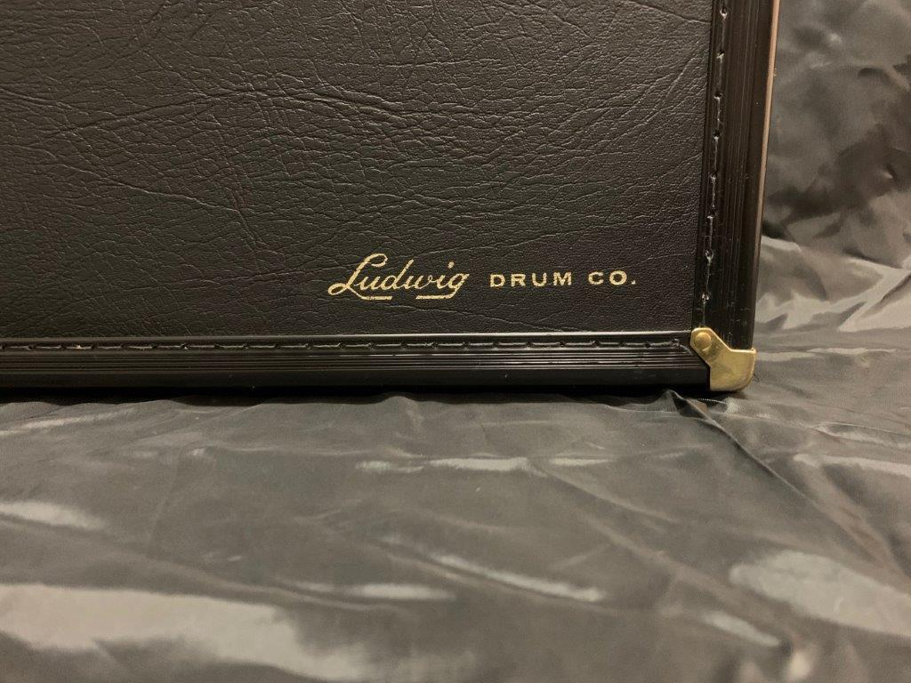 Foto-1-Ludwig-Snare-Black-Beauty-13x3-engraved-Supraphonic