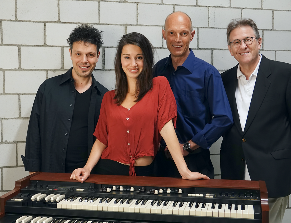 OrganSwing Group feat. Nadine Arnet