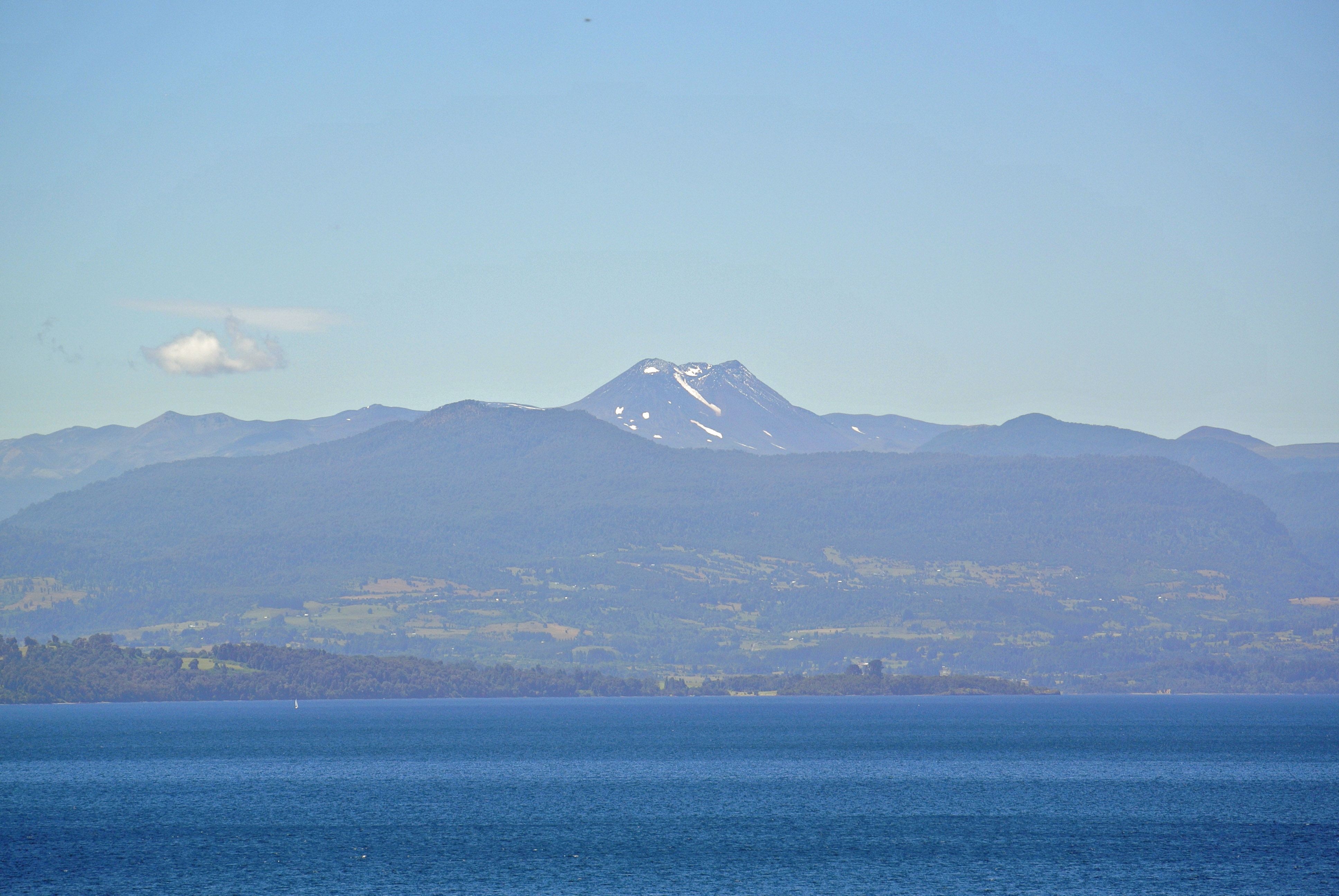 048 1202 Lago Rupanco Overview - NP Puyehue 8JPG