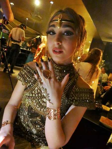 Stylische Henna Geburtstagsparty in trendiger Location