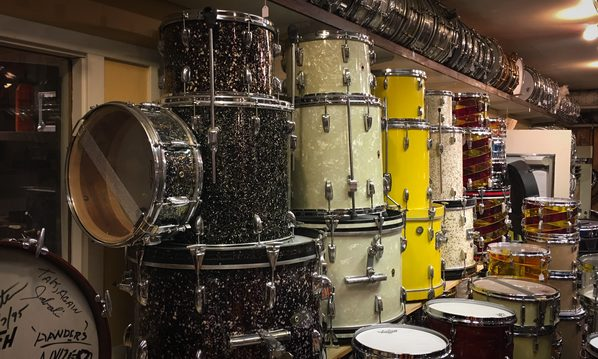 Foto-3-Snare-Wall-at-Hellstone-Music-Stockholm