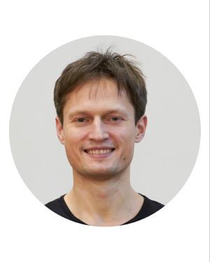 DmitriiVatagin-Yoga-Lehrer-Mii-Ruum-Luzern-Webjpg