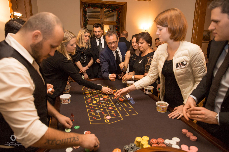 Poker Dealer Buchen