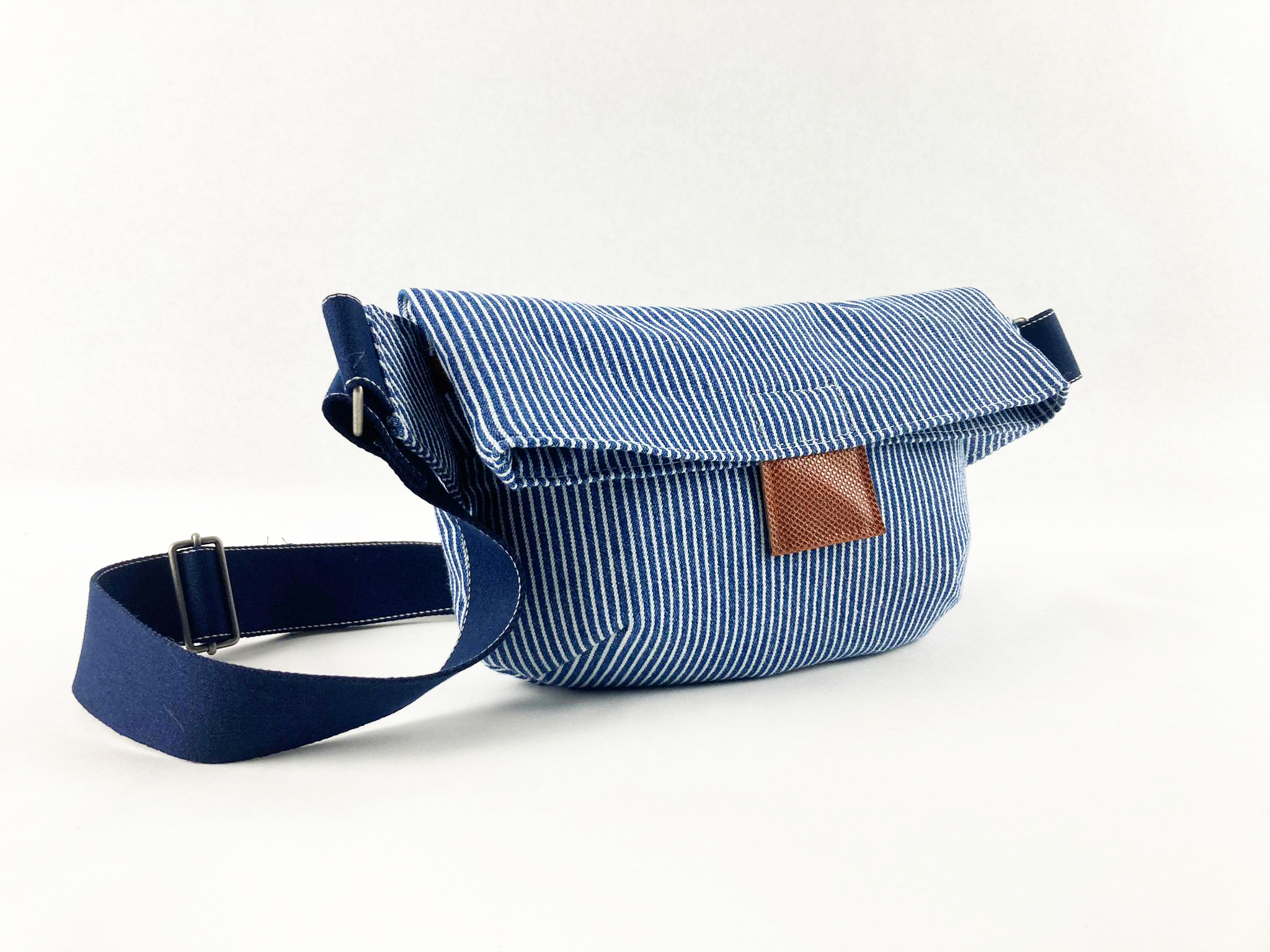 "Crossbag Cili ""in blauweiss gestreift"""