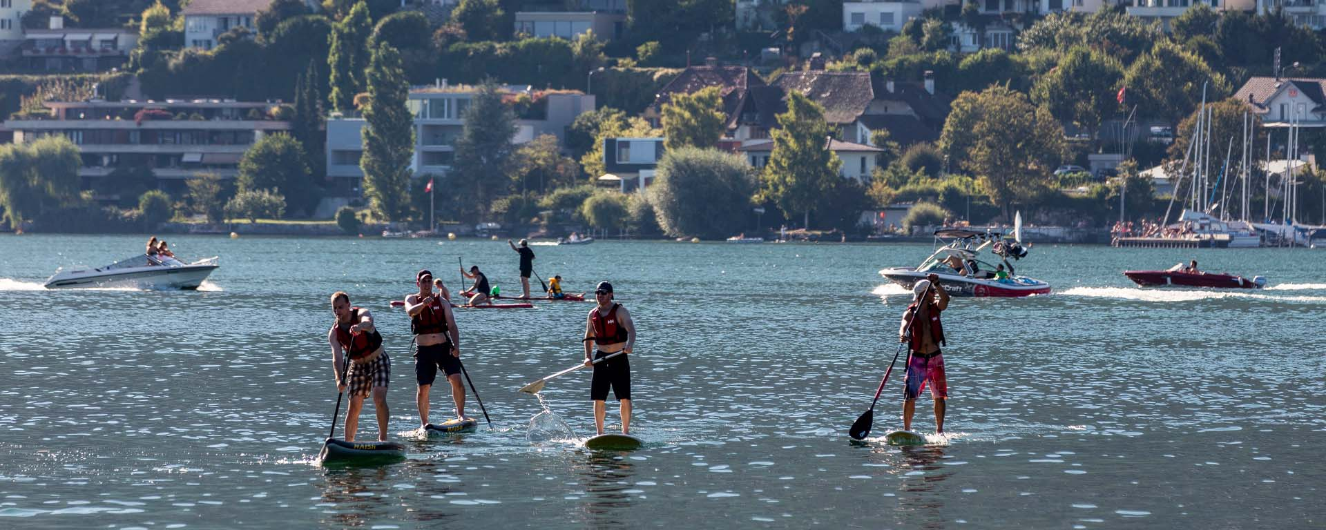 Stand-up paddle am Bielersee