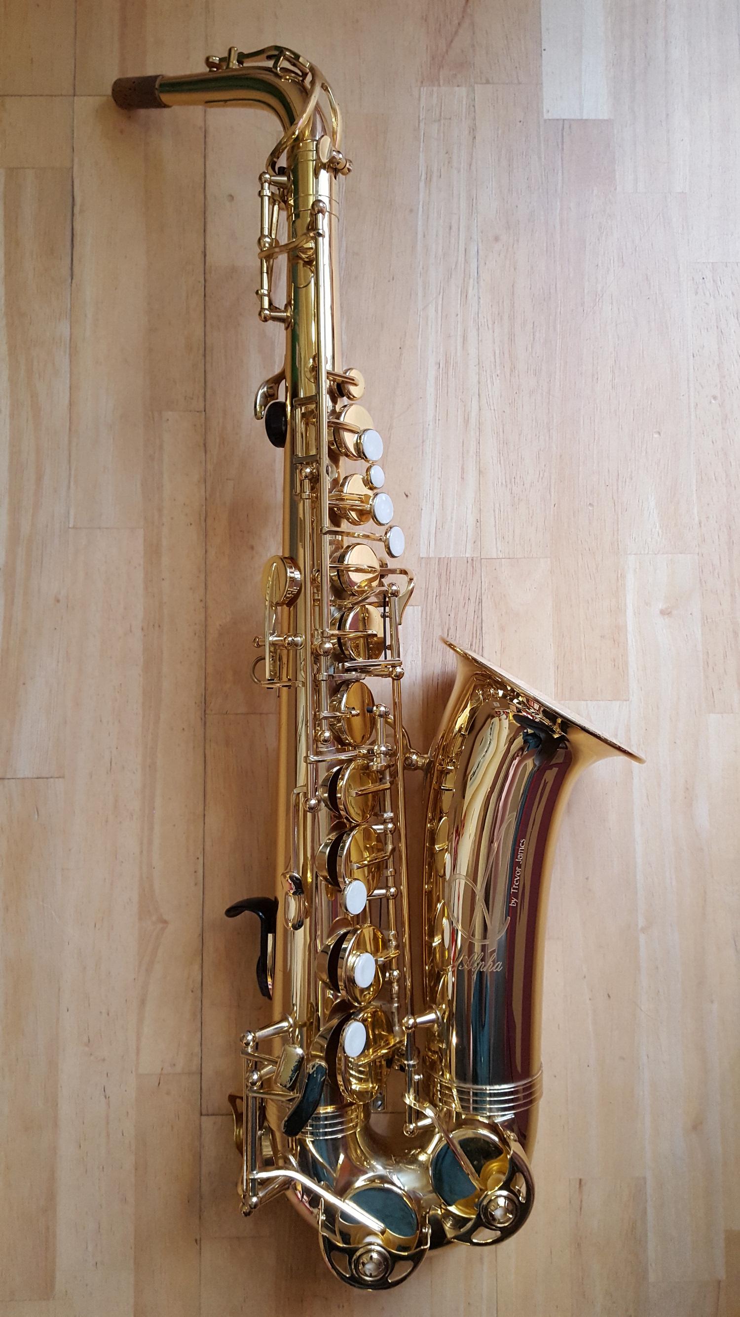 35-CS01517-Alpha-Saxophonejpg