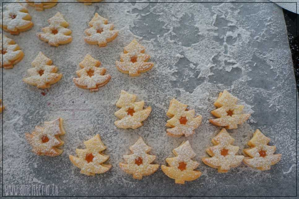 Spitzbuben backen Weihnachten Advent Guetzli
