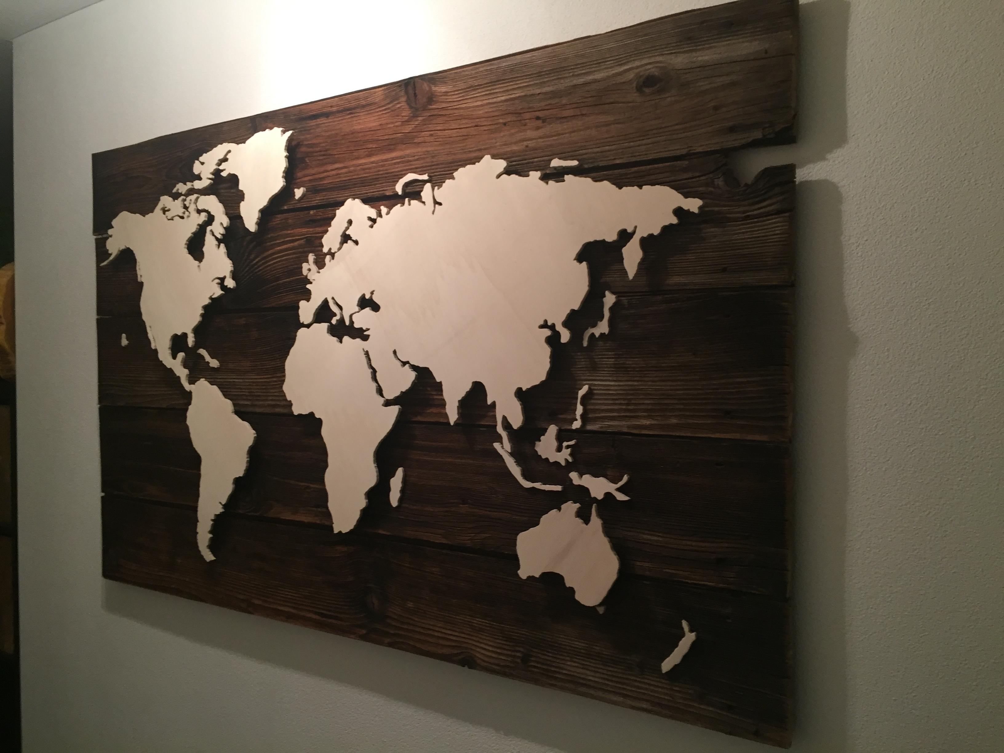 Weltkarte In Holz