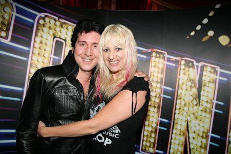 Elvis Imitator Tommy King mit Lebenspartnerin Nikki im Casino Pfäffikon