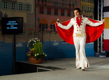 Elvis Imitator Tommy King an Modeschau an der Luga Luzern