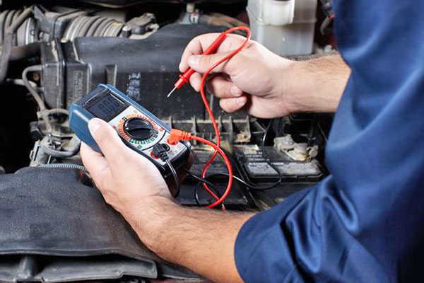Fahrzeugcheck Autobatterie