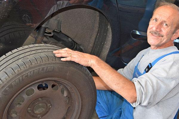 Reifenwechsel und Frhlings-Check